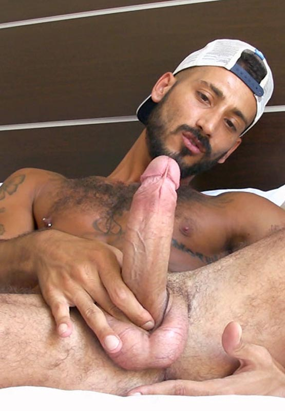 Want to see more of Daniele ? Click here |: www.menwithforeskin.com/tag/lucas-kazan/page/3